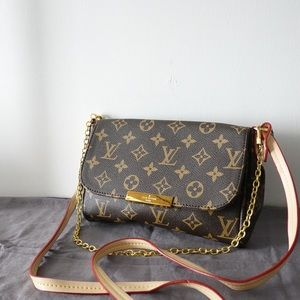 Louis Vuitton 8 x 5 x 1.5 monogram